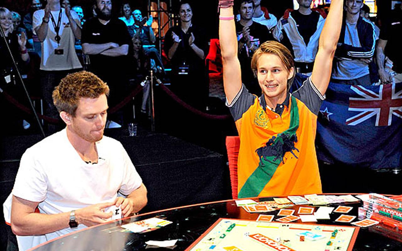 Jogando banco imobiliário no campeonato mundial de banco imobiliário em Las Vegas