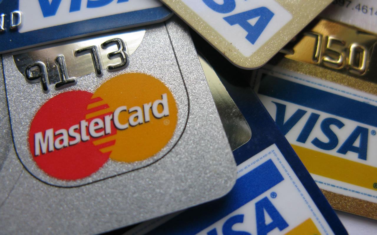 Vários cartões de créditos